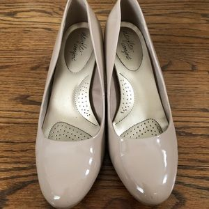 Nude 9W Heels with Built in Insoles